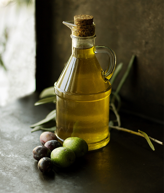 Olive oil container